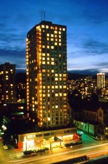 Century Plaza Hotel & Spa - Vancouver Canadian Affair