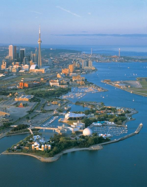 Toronto Holidays - Visit Canadian Affair