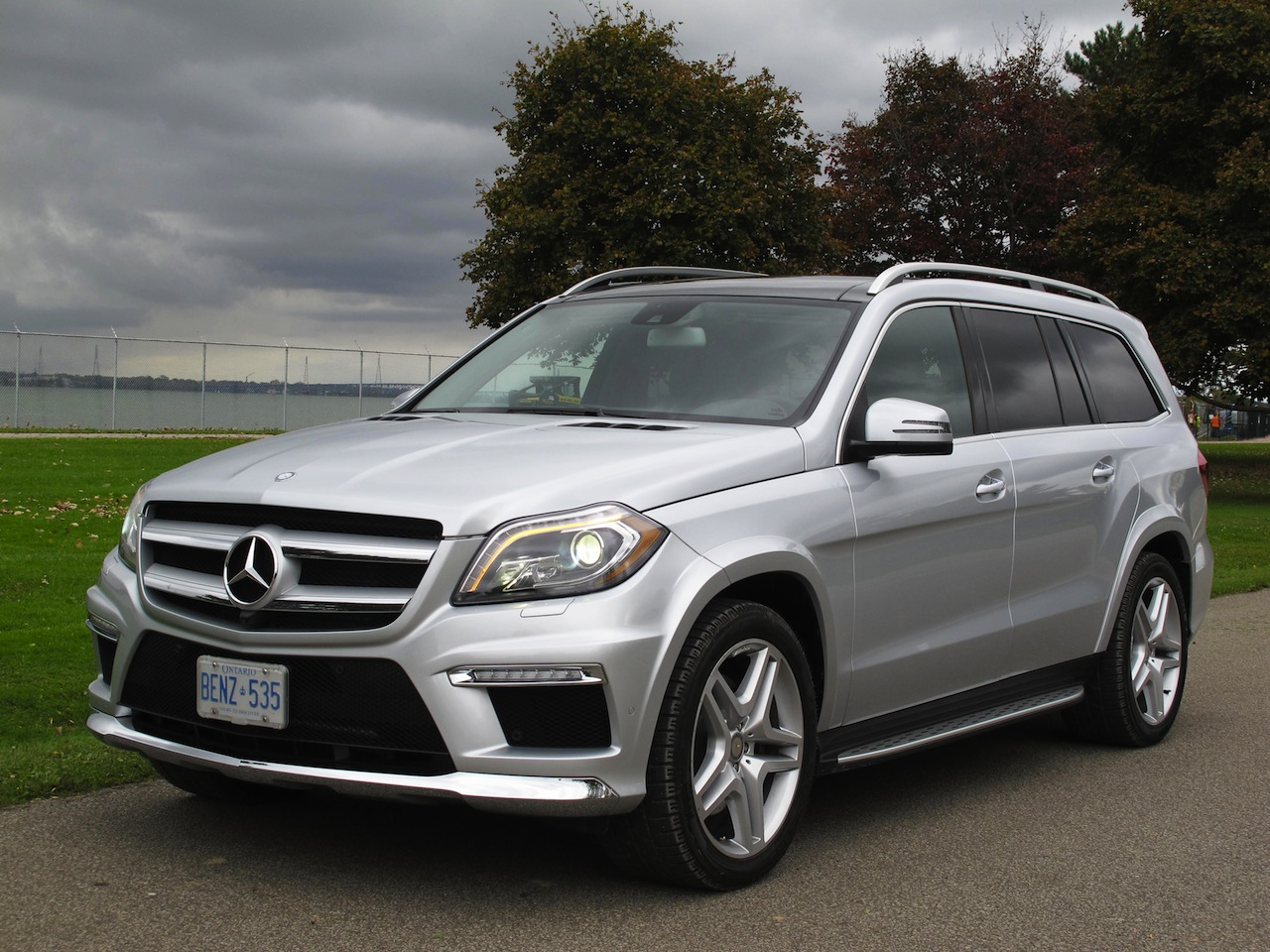 2014 Mercedes-Benz GL350 Bluetec Photo Gallery - Cars, Photos, Test Drives, and Reviews | Canadian Auto Review