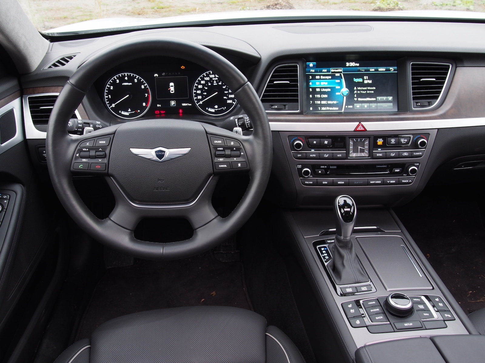 Review 2015 Hyundai Genesis 50 Ultimate  Canadian Auto