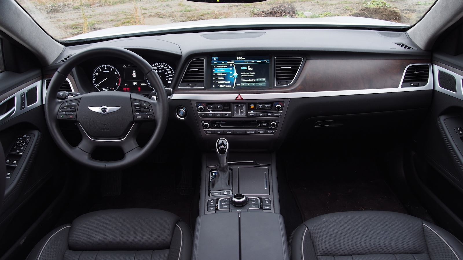 Review 2015 Hyundai Genesis 50 Ultimate  Canadian Auto Review