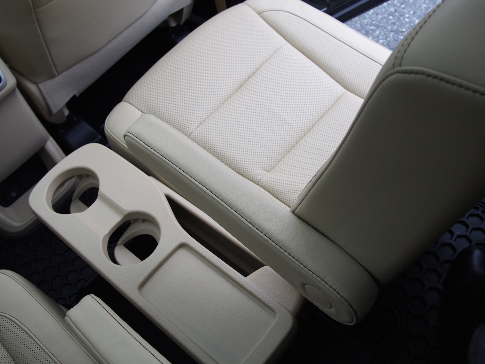 toyota 4runner captains chairs ghost chair counter stool 2010 highlander hybrid reviews pictures and prices