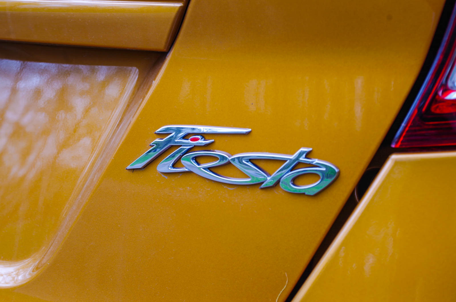 Review 2016 Ford Fiesta SE Canadian Auto Review