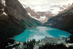 © Lake Louise with the Chateau in foreground