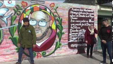 Photo of 5VN Cinco Visión Noticias    Emocionada tras el corte de cinta y el mural de Andrés Machiavello