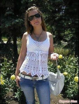 Blusa ligera tejida a crochet de verano