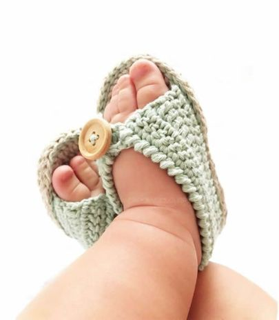 Sandalias para bebé tejidas a crochet