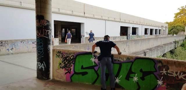 Incursione in zona Pantanelli, arrestato un extracomunitario e 4 espulsi