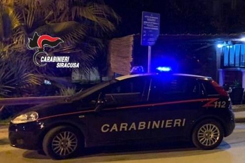 Gli spacca la testa con due bottiglie di birra: arrestato marocchino