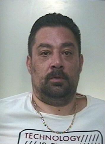 Deteneva droga in casa: arrestato