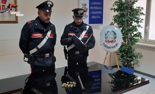 Svenata rapina all'Umberto I, i carabinieri arrestano un minore