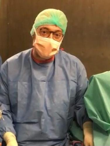 Buona sanità: l'ortopedico Caruso a Napoli per un delicato intervento