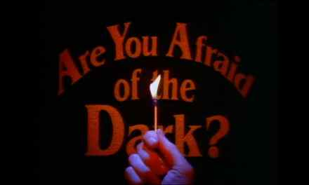 La Sociedad de la Medianoche regresa en este tráiler de «Are you afraid of the Dark?»