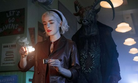Año nuevo, bruja nueva, ¿que hay más de nuevo? El mundo oculto de Sabrina se presenta con estas fotos