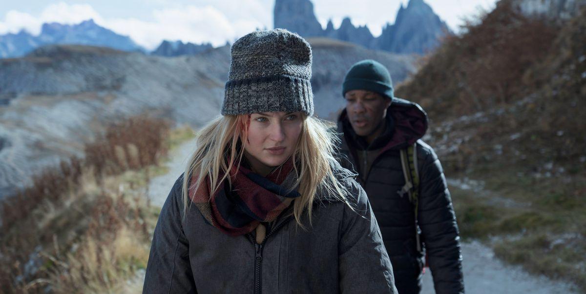 Sophie Turner y Corey Hawkins luchan por sus vidas en el tráiler de Survive