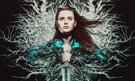 Katherine Langford se transforma en la elegida en el tráiler de Cursed