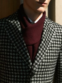 Winter accessories for men, the importance of the neck scarf