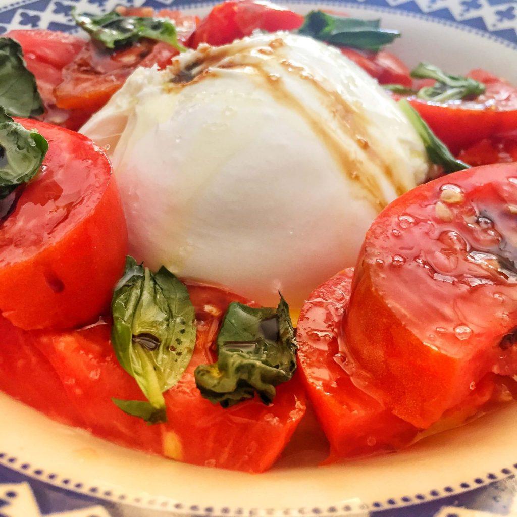 Ensalada de Burrata y tomate