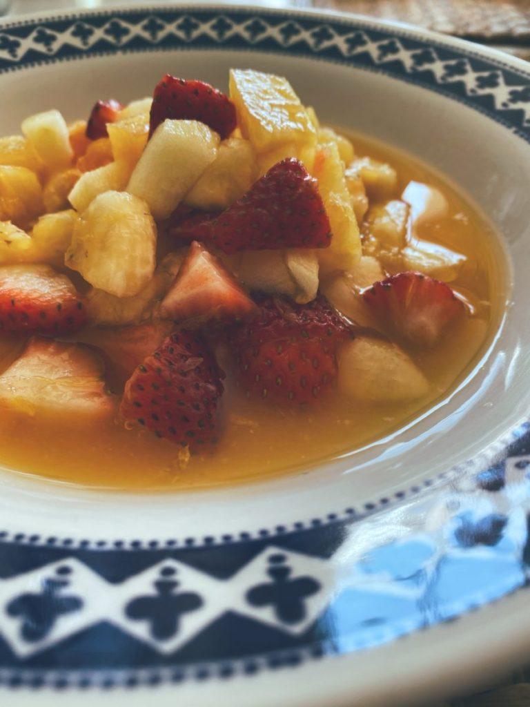 RECETAS PARA FRENAR LA CURVA: La sopa de frutas