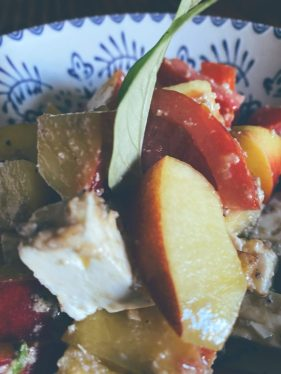 Ensalada de nectarinas y su tomate