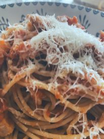 Los espaguetis y la salsa amatriciana