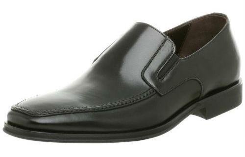 cdfc678e1c Side Gore – uma adaptação do Loafer que tem duas tiras de elástico em suas  laterais e pode ser usado com blazer e calça em duas versões mais  sofisticadas ou ...