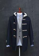 O duffle coat já foi de uso exclusivo de marinheiros, hoje está constantemente presente no cenário urbano.