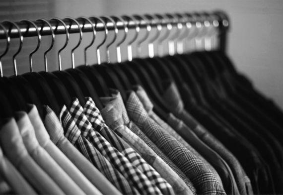 cabides_armario_roupas