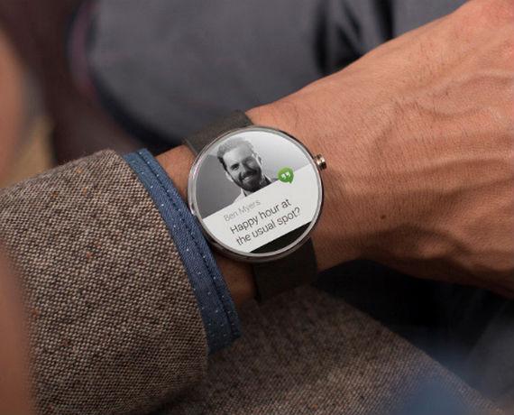 Moto_360_metal_smartwatch_ft03