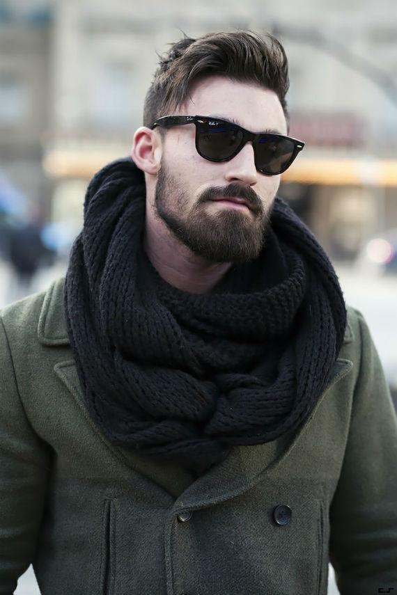 fac2eeaf2 No inverno existe para o homem a opção de fazer o layering que nada mais é  do que sobrepor roupas para uma combinação que espante o frio ou escolher  peças ...