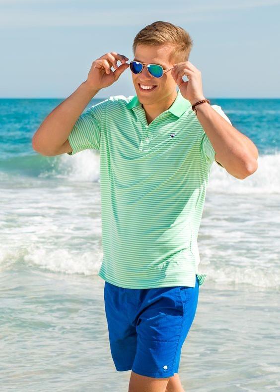 6 Sugestões de Looks Masculinos Para o Alto Verão