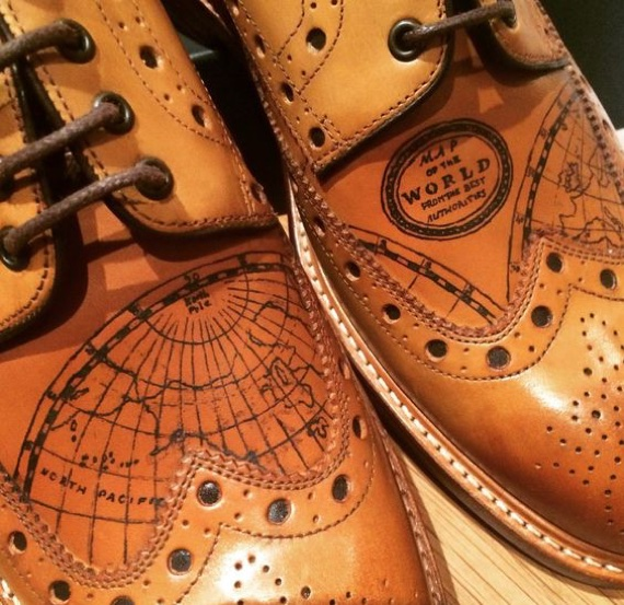 Sapatos e Tatuagens: Como a Oliver Sweeney Uniu os Dois