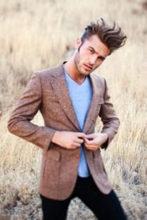 look-blazer-camiseta-gola-v-02
