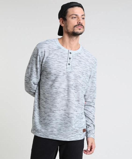 15 bequeme Outfits, um stilvoll zu Hause zu bleiben - Henley Shirt