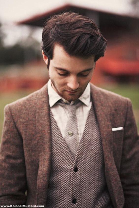 So kombinieren Sie eine Jacke mit einer Weste in einer anderen Farbe