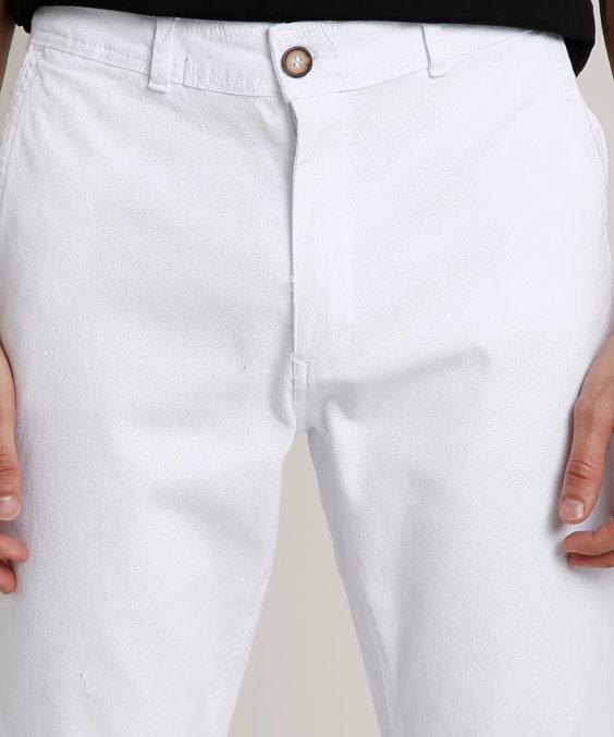 Calça branca de sarja - Tendências da Moda Masculina Para o Verão 2021