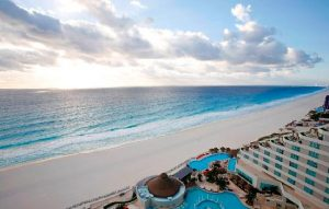 CANCUN BEACH ATTRACTIONS