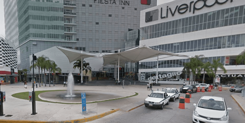 Malecon Americas Shopping Mall Entrance, Cancun Dental Clinic map