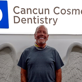 happy-patient-american-dentist-cancun-cosmetic-dentistry