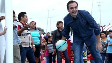 Photo of Paul Carrillo inaugura cancha de usos múltiples en la región 247
