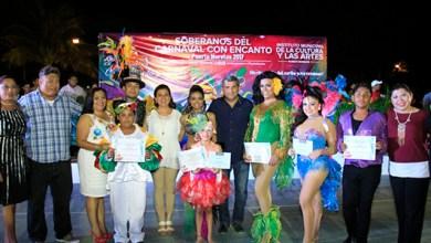 Photo of Puerto Morelos ya tiene a sus reyes del carnaval ¡un rinconcito del Caribe para rumbear!