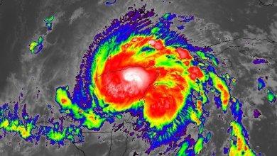 Photo of Tormenta Tropical Zeta, avanza a 140 km al este-sureste de Progreso, Yucatán