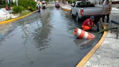 Photo of Clima: ante lluvias realizan trabajos de mantenimiento en Isla Mujeres