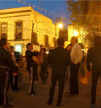 tour-garibaldi-de-noche-en-ciudad-de-mexico.jpg