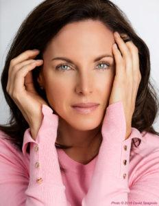 IconicFocus Susan Minor