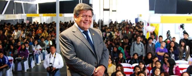 Cesar Acuña candidato 2016