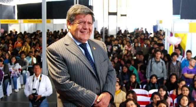 César Acuña renunció a La Libertad para tentar la presidencia del Perú
