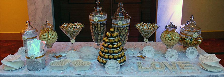 JOandJARS_CandyBuffet_Wedding_HotelFortCanning_LegendsBallroom_GoldLuxe_LuxeGold