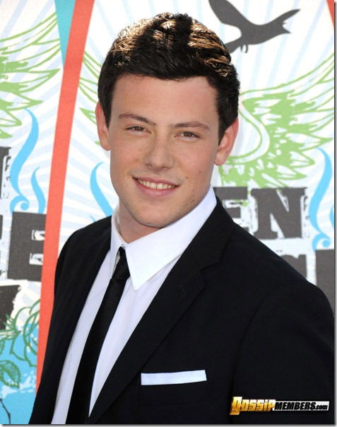 arrives at the 2010 Teen Choice Awards at Gibson Amphitheatre on August 8, 2010 in Universal City, California.