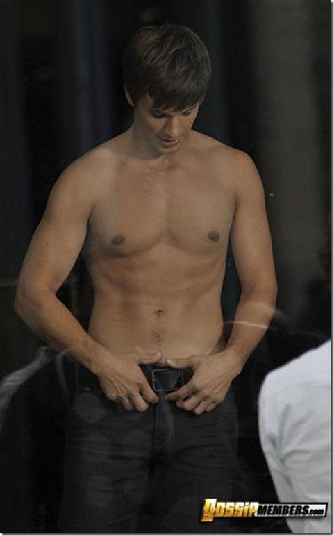 Matt Lanter shirtless